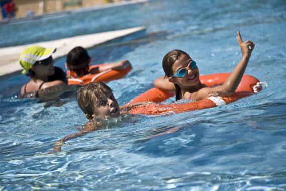 Piscina verano para ni os en madrid al aire libre para for Piscinas madrid