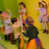Taller infantil de juegos y música con ritmos.
